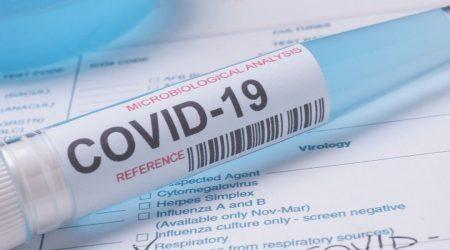 Môže lekár odmietnuť pacienta, ak sa nepodrobí testu na ochorenie COVID-19